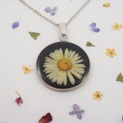 Daisy necklace 1
